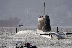 Anh điều tàu ngầm hạt nhân, thủy quân lục chiến 'nắn gân' Iran