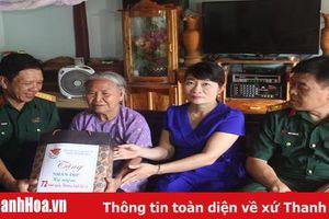 Bộ CHQS tỉnh Thanh Hóa thăm, tặng quà gia đình chính sách tại huyện Vĩnh Lộc