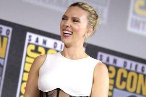 Scarlett Johansson đeo nhẫn đính hôn hơn 9 tỷ đồng đi dự sự kiện