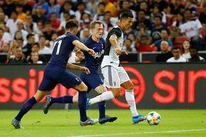 Juventus may mắn vượt qua Inter Milan trong những loạt sút luân lưu