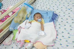Bé gái sơ sinh mắc bệnh tim, gan, phổi cùng lúc