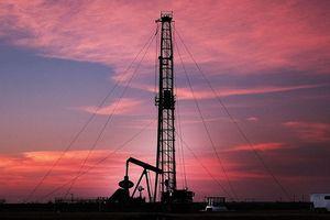 Mỹ - Trung nối lại đối thoại, giá dầu tăng
