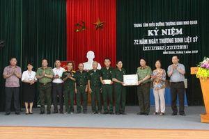 Thứ trưởng Bùi Văn Nam thăm hỏi, tặng quà thương bệnh binh