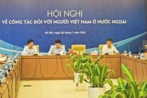 Hoàn thiện cơ chế, chính sách để thu hút nguồn lực của người Việt Nam ở nước ngoài