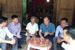 Mặt trận Quảng Bình thăm, tặng quà 16 gia đình chính sách đồng bào tôn giáo