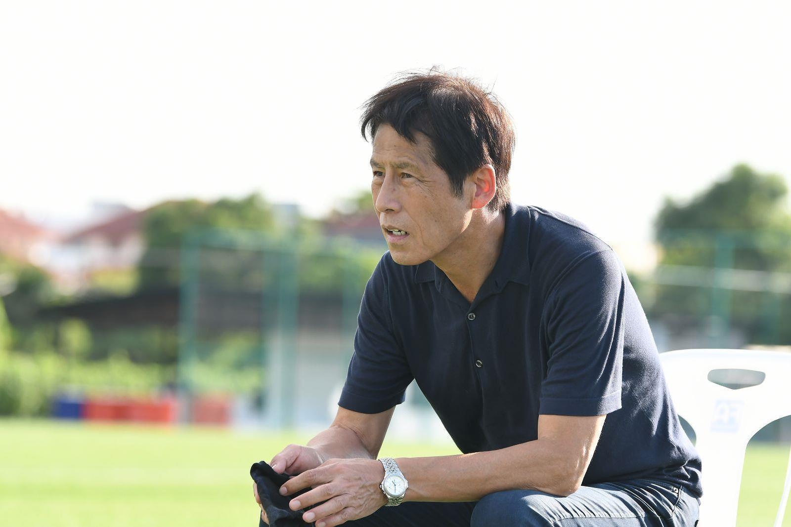 HLV Nishino gặp gỡ tuyển trẻ Thái trước cuộc đụng độ Việt Nam