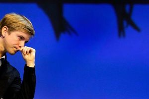 Người đồng sáng lập Facebook đang đàm phán với chính phủ Mỹ để 'giải tán' MXH này