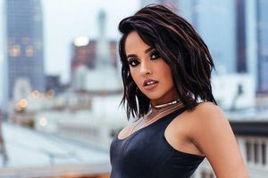 Bị tố 'đá xéo' Selena Gomez, 'chủ thớt ý kiến' lãnh đủ màn đáp trả gay gắt từ Becky G và cộng đồng fan