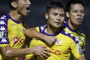 TP HCM hòa Hà Nội trong trận cầu 4 bàn thắng và 2 thẻ đỏ