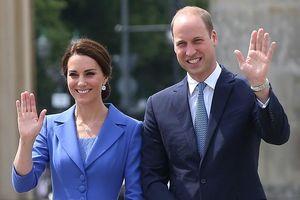 Những lần diện đồ đôi tình tứ của Kate và Hoàng tử William