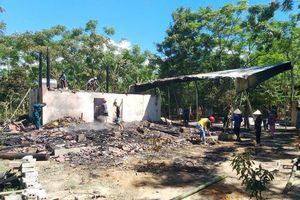 Hỏa hoạn thiêu rụi nhà sàn của thầy giáo tiểu học ở Quế Phong
