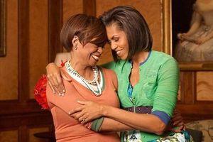 Đoạn trích độc quyền từ quyển hồi ký của Michelle Obama: Tình yêu của người mẹ