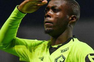Sốc: Thủ môn nghiệp dư thành sao tiền vệ 72 triệu bảng ở Arsenal