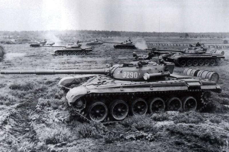 Không thích Nga nhưng Ba Lan vẫn cố níu kéo xe tăng T-72