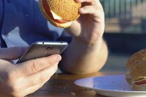 Sử dụng điện thoại trên 5 tiếng mỗi ngày tăng nguy cơ béo phì