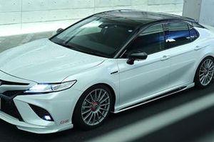 Toyota Camry bắt mắt hơn với gói độ 60 triệu đồng
