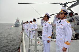 Toàn cảnh tàu chiến Việt Nam duyệt binh hoành tráng ở Nga