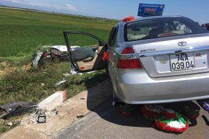 Quảng Trị: Xe hoa gặp nạn trên đường, cả cô dâu và chú rể nhập viện cấp cứu