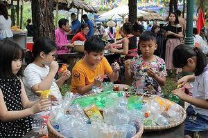 Vui cùng 'Ngày hội tuổi thơ' tại Làng Văn hóa-Du lịch các dân tộc Việt Nam