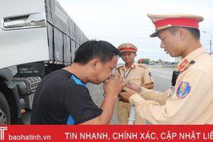 2 tuần ra quân, Công an Hà Tĩnh xử phạt 2.308 trường hợp vi phạm an toàn giao thông