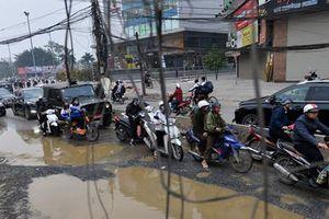 Người dân Thủ đô gặp khó khăn khi lưu thông trên đường Trường Chinh