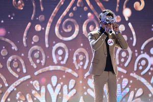 Lộ diện giọng hát gắn liền với bản hit khủng 'Vô cùng' khiến Trấn Thành phấn khích