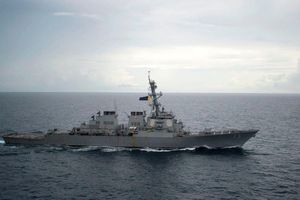 Trung Quốc hung hăng ở Biển Đông, Mỹ có gì ngoài các tàu tuần tra?