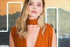 'Bông hồng' Margot Robbie đẹp thiêu đốt ánh nhìn