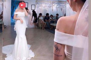 Con gái Minh Nhựa khoe ảnh diện váy cưới, hỉ sự sắp tới?