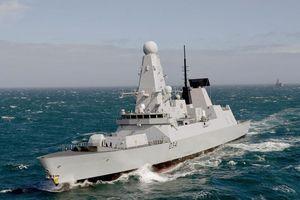 Mạnh khủng nhưng sao siêu hạm Anh không dọa nổi Iran?
