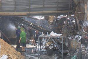 Cháy nhà máy trấu tại Đồng Tháp, một công nhân bị bỏng nặng