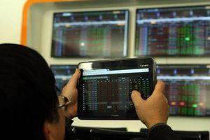 Chứng khoán ngày 31/7: Lực nâng từ cổ phiếu trụ