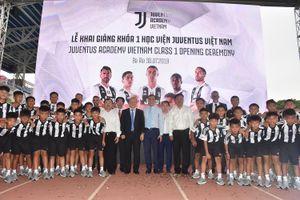 HLV Park Hang Seo báo tin vui cho Học viện bóng đá Juventus Việt Nam