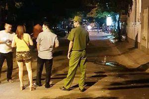Cãi vã về tiền bo, khách bị con chủ quán karaoke đâm tử vong
