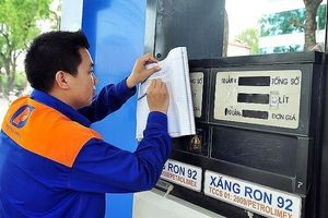 Giá xăng RON95 bất ngờ giảm hơn 300 đồng mỗi lít từ 15h chiều nay