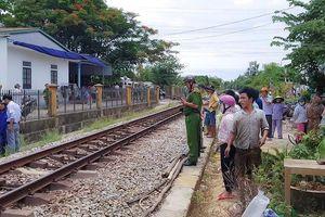 Băng qua đường sắt, người đàn ông bị tàu tông tử vong