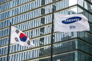 Lợi nhuận Samsung lao dốc 56% giữa căng thẳng thương mại