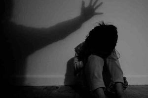 Nghệ An: Bé gái 7 tuổi bị ông nội của bạn hàng xóm dâm ô