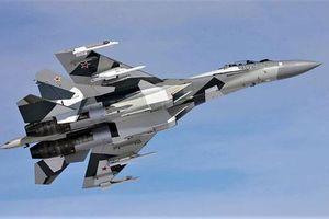 Tiêm kích Su-35 - 'Vua' tác chiến trên không