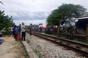 Băng qua đường sắt, người đàn ông bị tàu hỏa tông tử vong