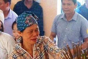 Vợ của liệt sĩ biên phòng Vi Văn Nhất được đặc cách tuyển dụng viên chức giáo viên mầm non