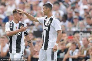 Ronaldo nhắn riêng Dybala đầu quân cho Man Utd