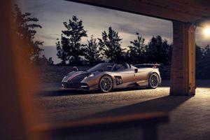 Siêu xe Pagani Huayra Roadster BC mui trần 3,5 triệu USD