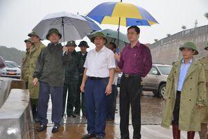 Kiểm tra công tác ứng phó bão số 3 tại Móng Cái