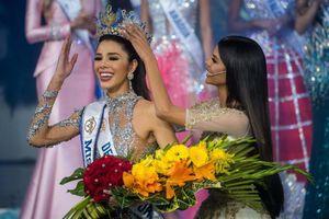 Tân Hoa hậu Venezuela bị chê già, kém sắc