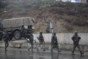 Ấn Độ cảnh báo du khách rời Kashmir vì lý do an ninh
