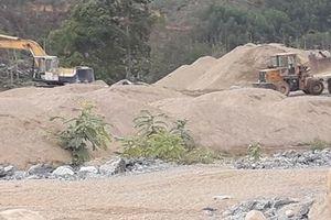 Khai thác cát, sỏi trái phép ở lòng hồ dự án thủy điện sông Bồ