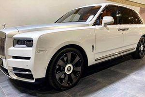 Rolls-Royce Cullinan hơn 40 tỷ lại ùn ùn về Việt Nam