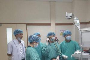 Bệnh viện Trung ương Huế lấy dị vật thành công cho người nước ngoài