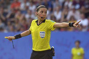 Trọng tài nữ bắt chính trận Siêu cúp châu Âu giữa Liverpool và Chelsea